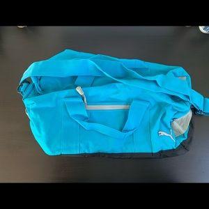 MINT CONDITION! Puma gym/duffle bag.